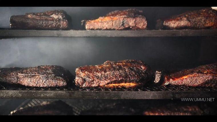 Netflix纪录片《主厨的餐桌:烧烤 Chef's Table: BBQ 2020》全4集 英语中字 1080P/MP4/4.37G 烧烤美食纪录片插图(1)